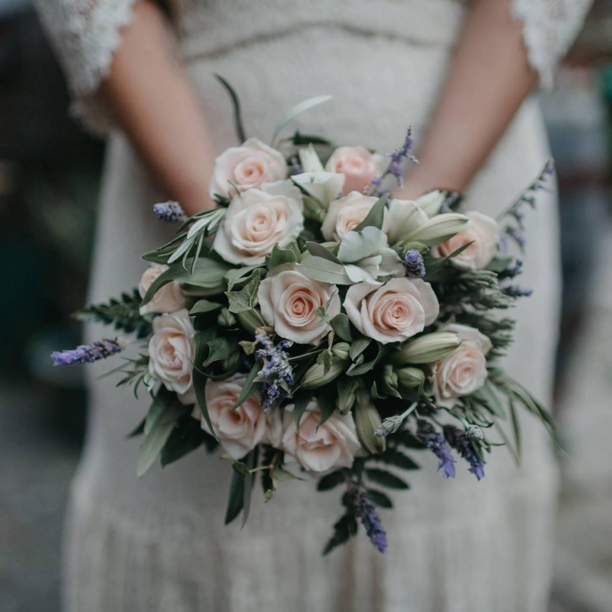 Funeral flowers archives new world greenmeadows hawkes bay florist izmirmasajfo